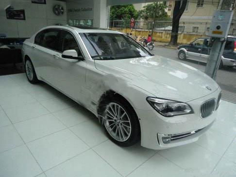 Cho thuê xe du lịch  4 chỗ BMW 750i siêu vip