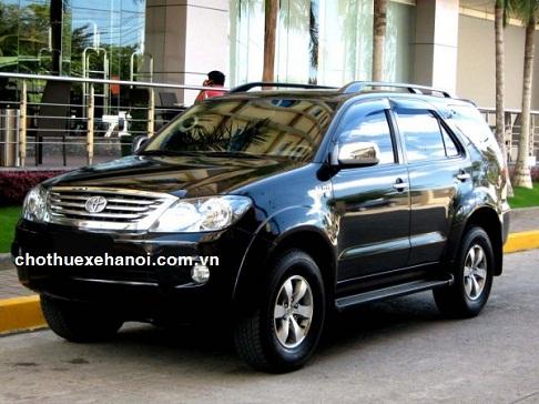 Cho thuê xe cưới Toyota Fotuner