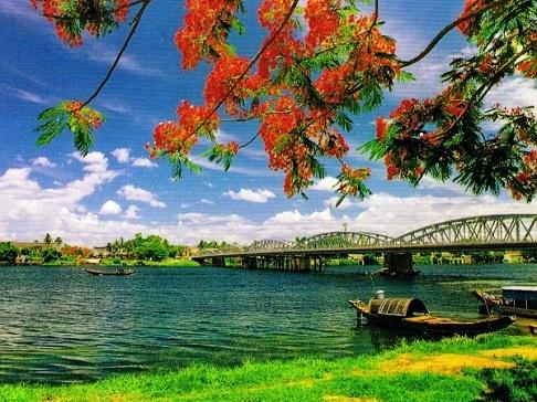 Cho thuê xe đi tỉnh giá rẻ: Hà Nội - Huế - Đà Nẵng - Hội An