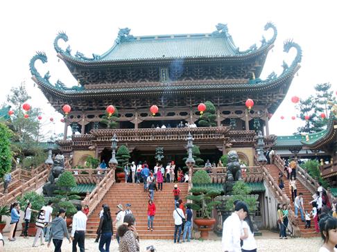 Cho thuê xe đi du xuân lễ hội Chùa Hương